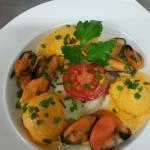 Ravioles de Royans aux Moules et Espuma de Curry Rouge