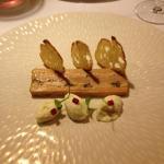 Préambule de foie gras, dinde et truffe et sa mousse de chou fleur