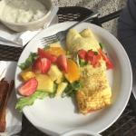 Omelette with fresh fruit