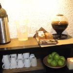 чай, кофе, фрукты