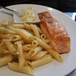 Pavé de Saumon, sauce Bérnaise, Chez Papa Fred