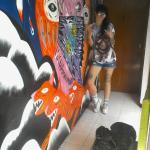 mathi y su mural