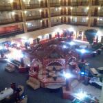 Photo de Embassy Suites by Hilton Cleveland Rockside