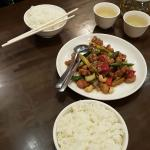 rice, sweet and sour chicken and tea