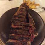 Chuletón de vaca vieja a compartir en el menú de 2 personas