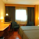 Photo de Hotel City Express Santander Parayas