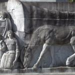 Frieze dedicated to the Oregon Trail pioneers