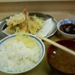 これがいもやの天ぷら定食