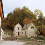 Torre e cottage indipendente prima della ristrutturazione