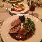 Рождественский ужин (было много мясных блюд на выбор)