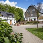 Landcafé mit Terrasse und Biergarten