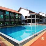 terrace & wading pool