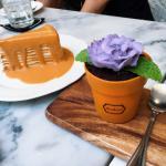 Audrey Cafe des Fleurs