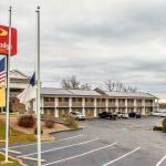 Econo Lodge Inn & Suites Lake of the Ozarks