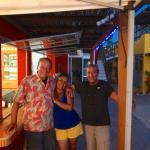 El agradable personal del hotel, Atilio el dueño y Gabriel y Liliana sus colaboradores