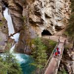 Hiking Johnston Canyon - photo: PZiz