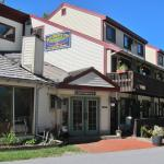 Outside view of Butternut Inn & Pancake House in Killington, Vermont