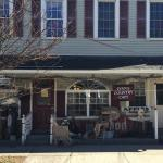 Lynny's Country Cafe