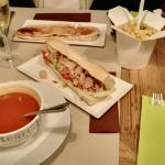 Super lunch time : cava as apero, delicious tomato soup, a panini, a fresh made sandwich with ch