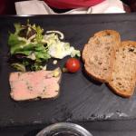 Foie gras maison, saucisse de Morteau à là cancoillotte, tartare