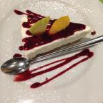 Cheesecake et son coulis de framboise