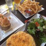Sliders,mac n cheese&parmesan fries!