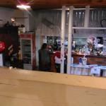 Le bar et la salle du bas vus de l'étage