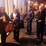 La sera si forma la fila per comprare il latte Appena Munto di Montepiano