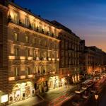 Exterior - Hotel facade and Via Nazionale
