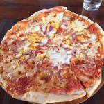 Awesome thin crust pizza... Perfect for Americans adjusting to the culture shock of a first visi