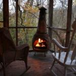 Woodcreek Cabin - Outdoor fireplace