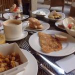Los desayunos son a la carta e incluyen todos estos platos. Mejor que un bufet.