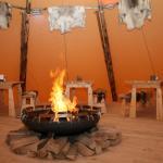Im Lappland-Zelt