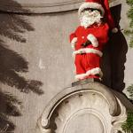 Mannekin Pis ready for Christmas!
