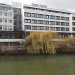 Waterfront. Die Neckarseite.