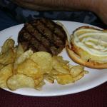 So-so burger & chips