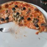 Die Pizza... SEHR flüssig innen...