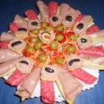 salami mortadela aceitunas picatostes con mermelada