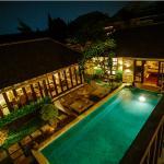 Pool - Tis H Nighttime