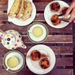 natas, toasts and tea
