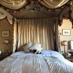 Foto de Golden Fleece Hotel