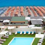 Piscina dell'Hotel sulla spiaggia privata