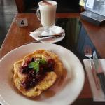 DELISH FRENCH TOAST w. BERRIES, MAPLE SYRUP, MINT AND CHAI LATTE.D
