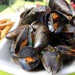 Moules frites marinières