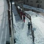 accès ski aux pieds à La Lauza