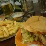 Veggie Burger & Pommes Spezial