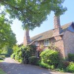 Tudor Cottage bed and breakfast 5 minutes from the SW coast path