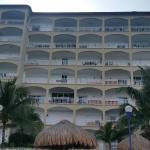 El Cantil Condominiums