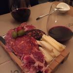 ignacio vinos e ibéricos Foto