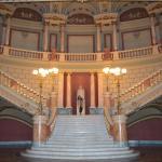 """Las escaleras """"de honor"""" por las que solo suben los cantantes"""